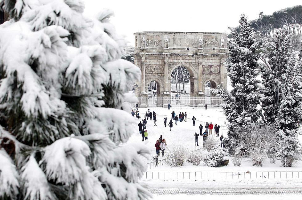 La neve a Roma e l'arco di Costantino