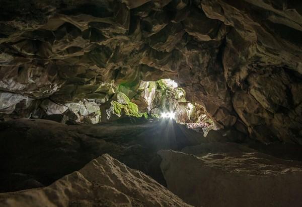 Il Pozzo del Diavolo sulla vetta del Monte Venere - Fonte: http://www.imontagnini.it/